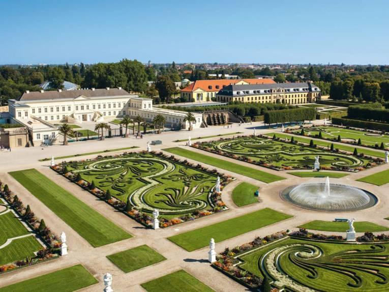 Großer Garten mit Galerie und Schloss Herrenhausen