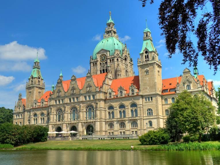 Das Neue Rathaus am Maschteich