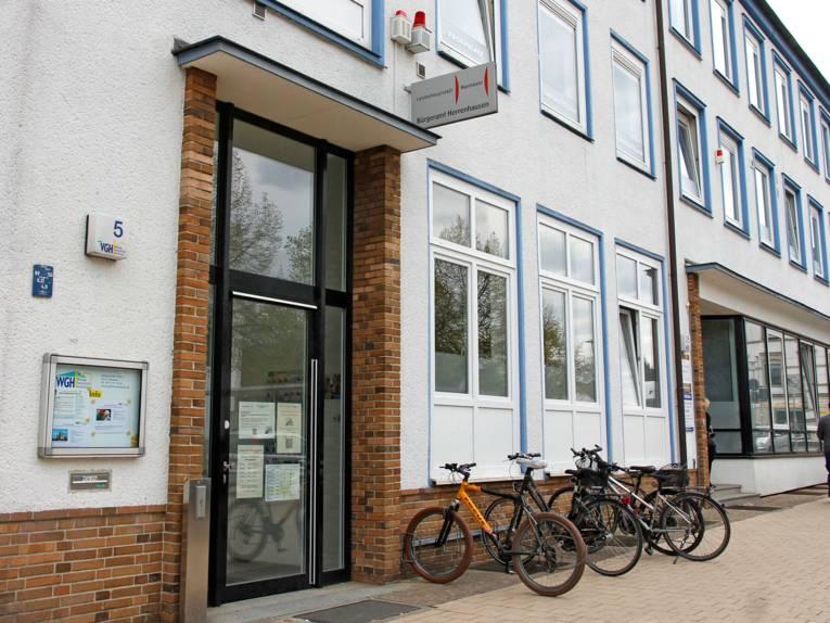 Außenansicht des Bürgeramtes Herrenhausen