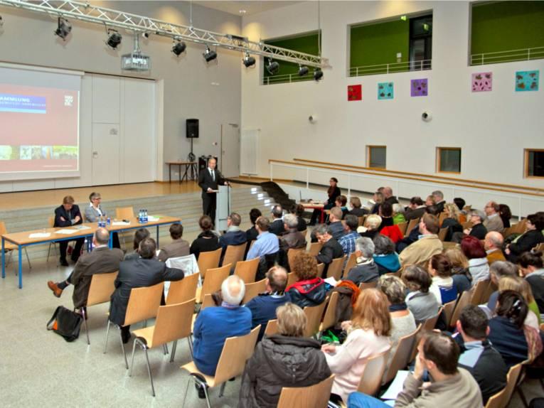 Einwohnerversammlung Ahlem-Badenstedt-Davenstedt.