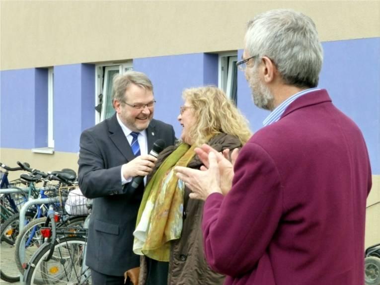 Bürgermeister Herrmann im Gespräch mit Charlotte Matthias.