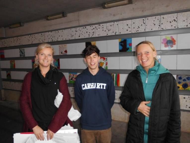Julia Preusse &  FSJ`ler (Camelot), Anke Wedekind (Jugendschutz LHH).