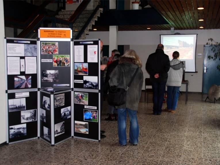 Informationsstand NaNaNet im Rathaus Misburg.
