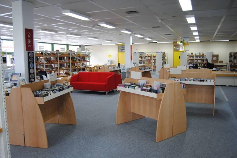 Innenaufnahme Stadt-/ Schulbibliothek Badenstedt