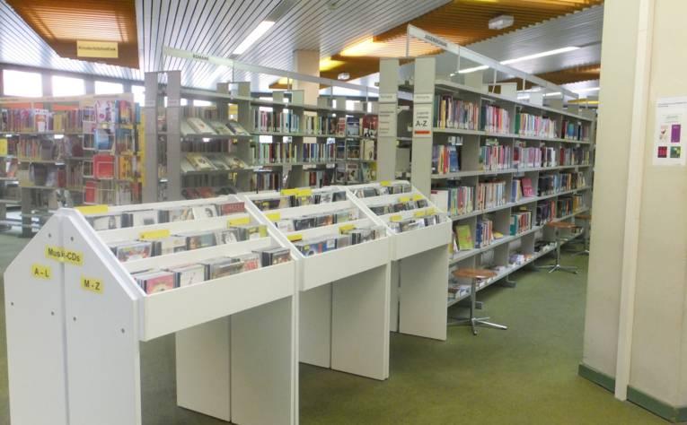 Innenansicht, Regal mit Musik CDs