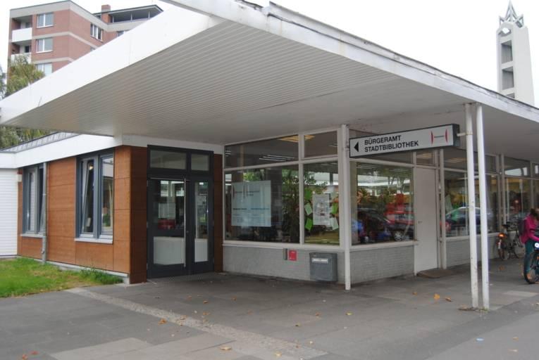 Stadtbibliothek Döhren Eingangsbereich Außenaufnahme