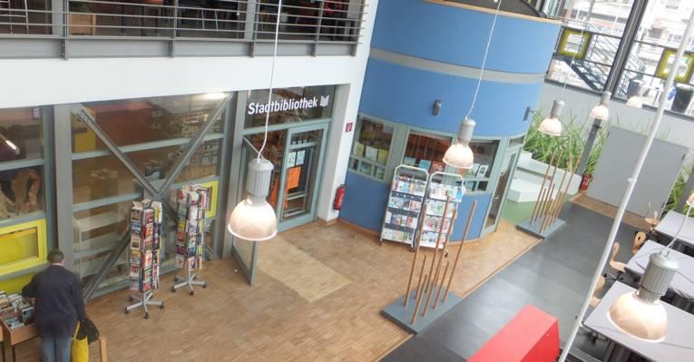 Panoramaansicht Eingangsbereich Stadtbibliothek Vahrenwald
