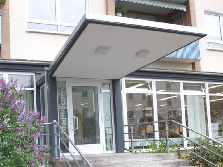 Eingangsbereich der Stadtbibliothek Kleefeld