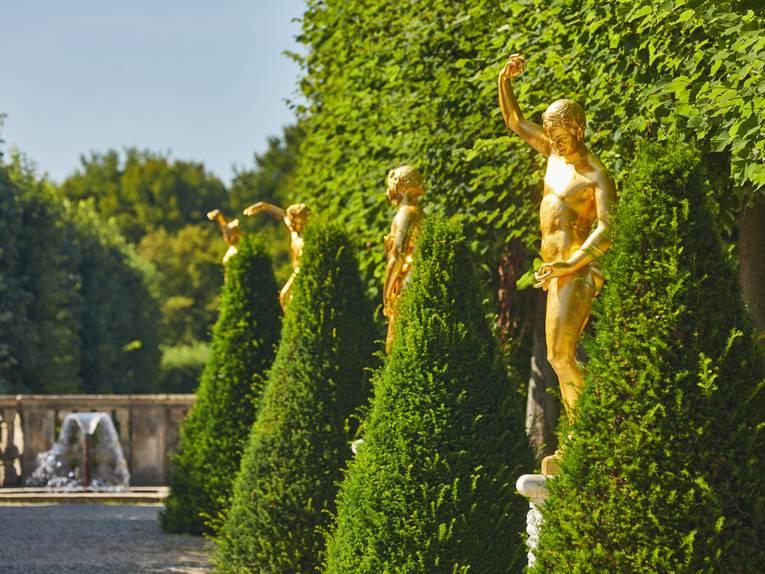 Goldene Figuren