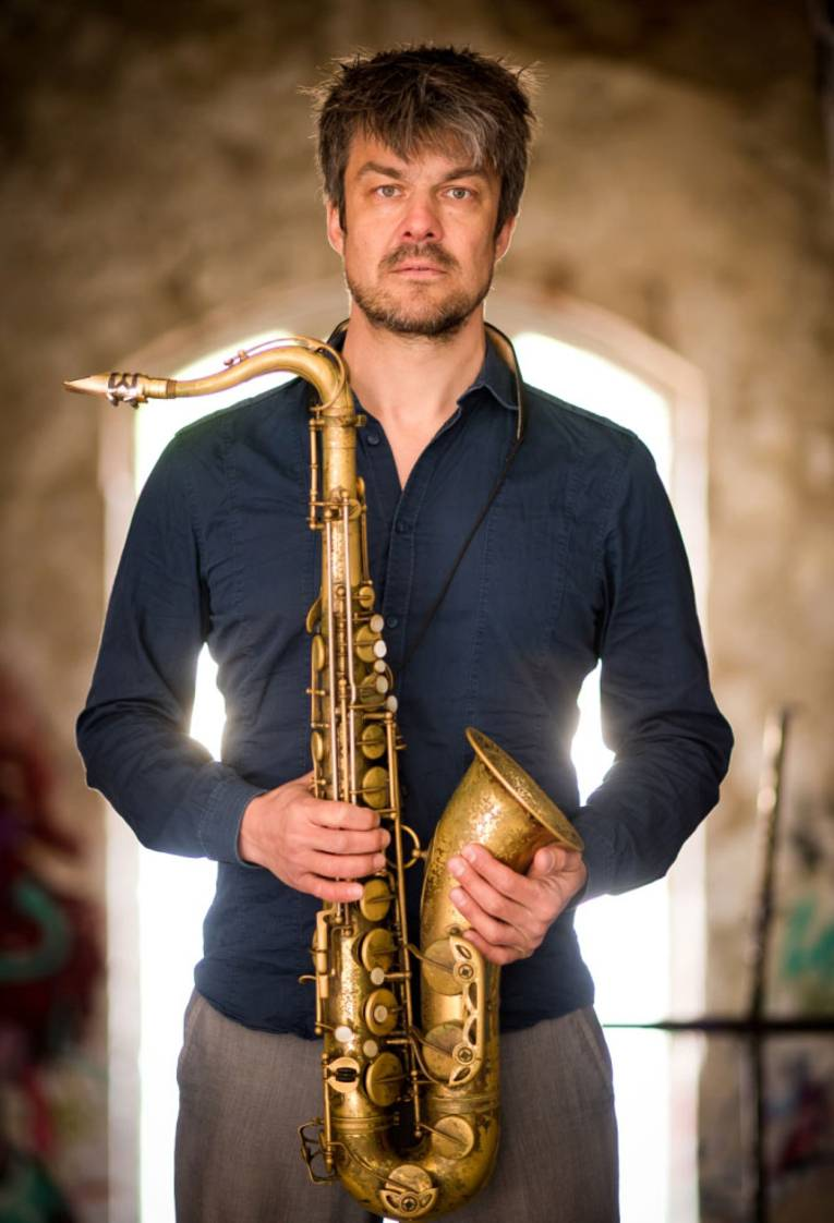 Saxophon, Bassklarinette, Klarinette, Flöte, Komposition, Arrangement, Recording