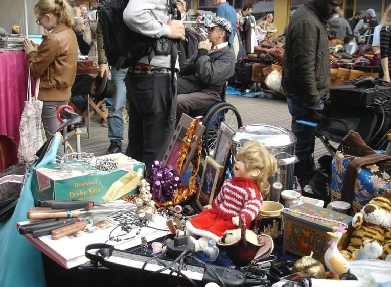 Flohmarkt am Bürgerhaus