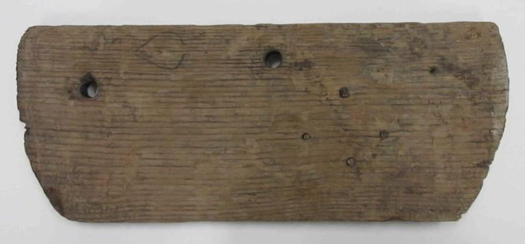 Teil eines Fassdeckels, Holz, 15. Jh. (VM 029910)