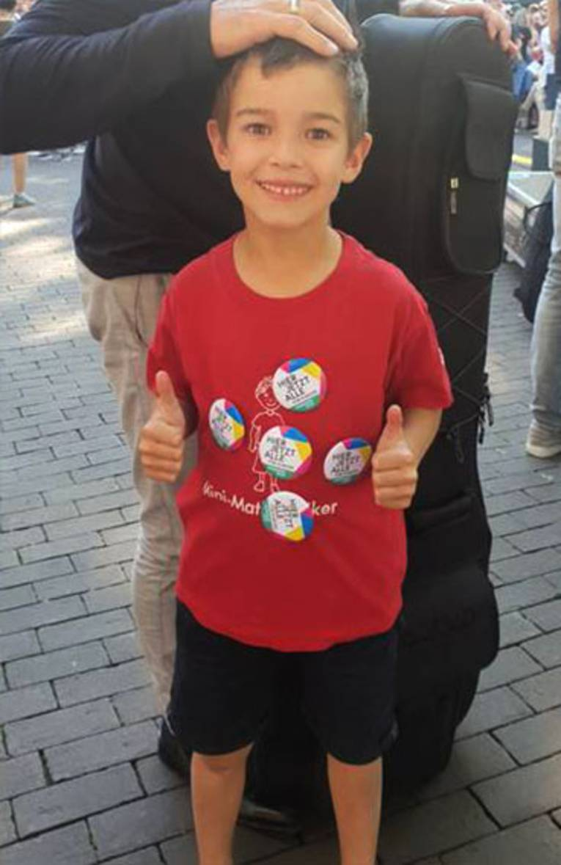 Dieser kleine Mann auf der Fête de la Musique unterstützt die Kulturhauptstadtbewerbung!
