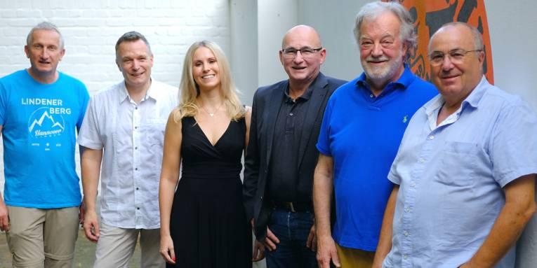 Neuer Vorstand des Jazz Clubs Hannover v.l.n.r.: Martin Reuter, René Rooimans, Vanessa Erstmann, Michael Emmert, Uwe Thedsen, Lothar Krist