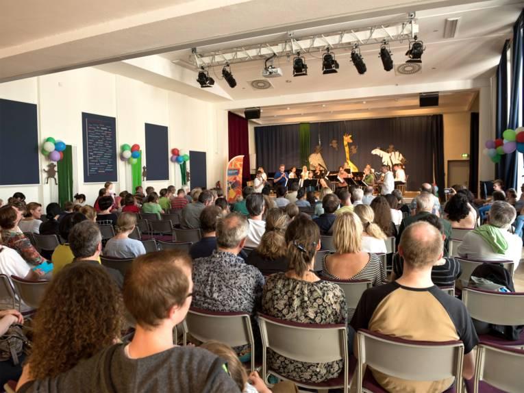 Publikum auf dem Musikschulfest