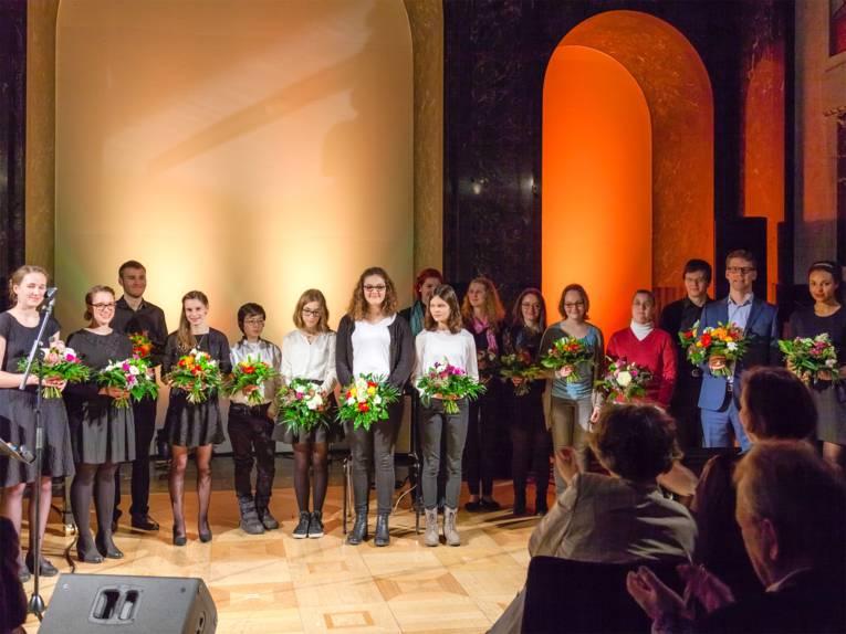 Gruppenfoto aller Künstler bei der Neujahrsgala 2016