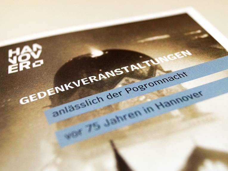 Flyer-Titelseite: Gedenkveranstaltungen anlässlich der Progromnacht vor 75 Jahren in Hannover