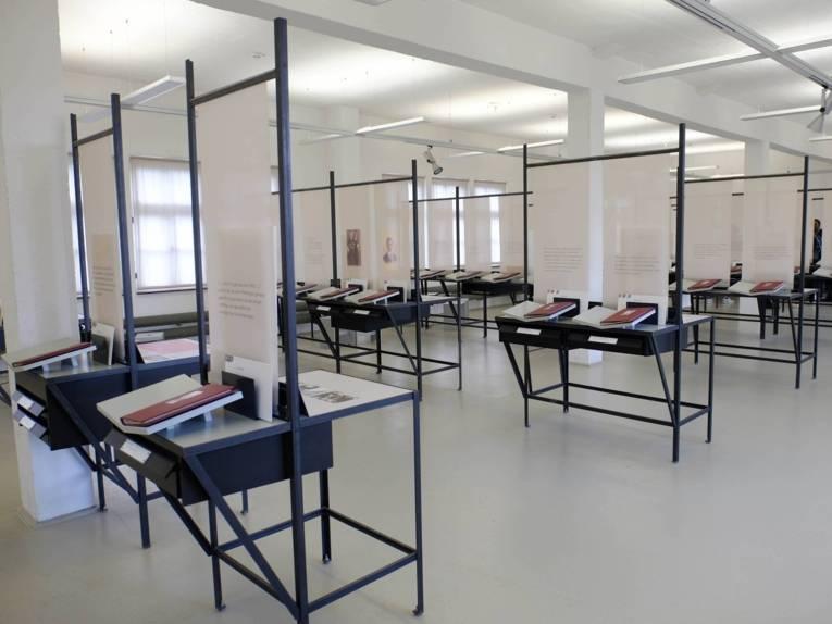 Blick in die Ausstellung der Gedenkstätte in Neuengamme