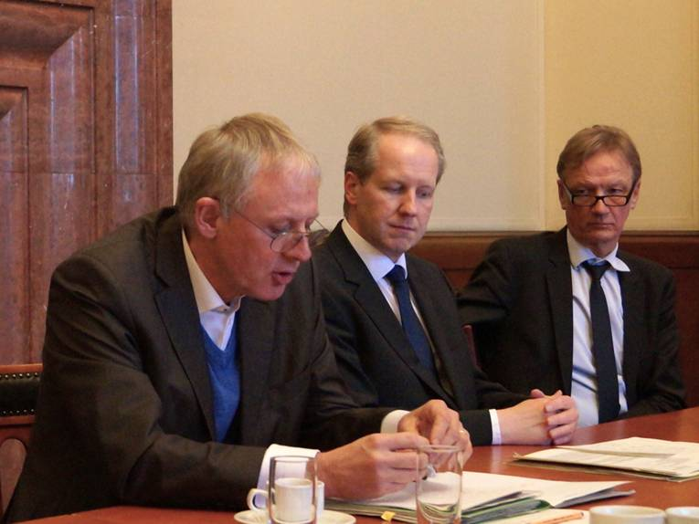 Thomas Walter, Stefan Schostok und Uwe Bodemann in der Ratsstube