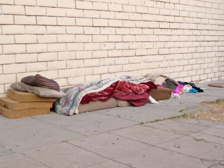 Schlafunterlage einer obdachlosen Person