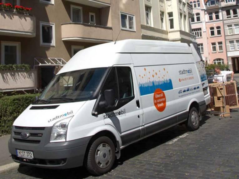 Ein Umzugswagen von stadtmobil