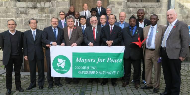 Gruppenfoto der teilnehmenden Bürgermeister