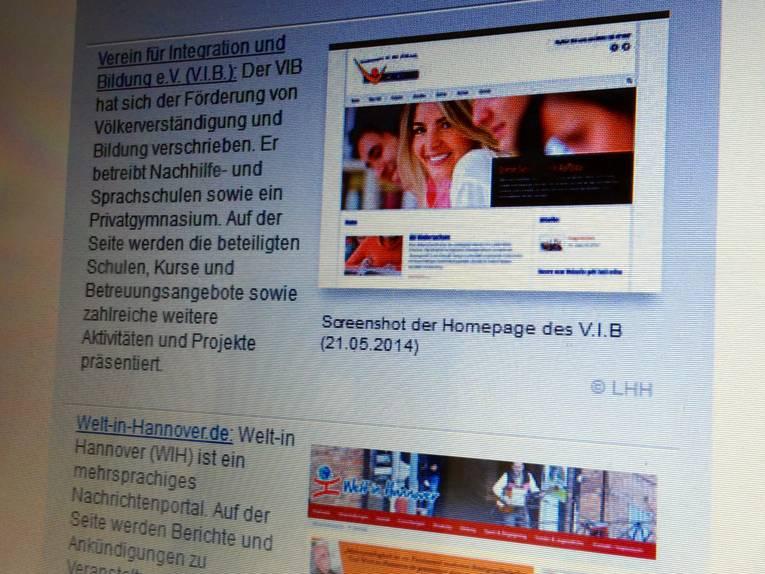 Fotografie eines Bildschirms, auf dem verschiedene Links mit Beschreibungen aufgelistet sind.