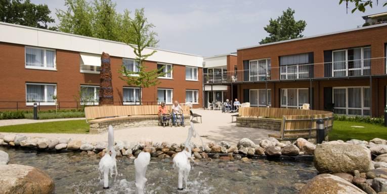 Der Innenhof des Margot-Engelke-Zentrums