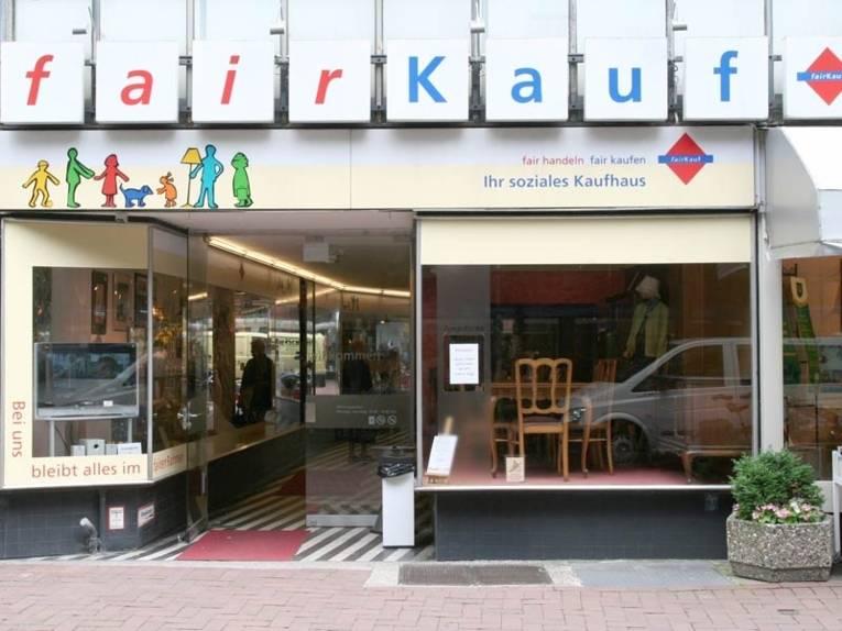 Eingang zum Fairkauf-Kaufhaus