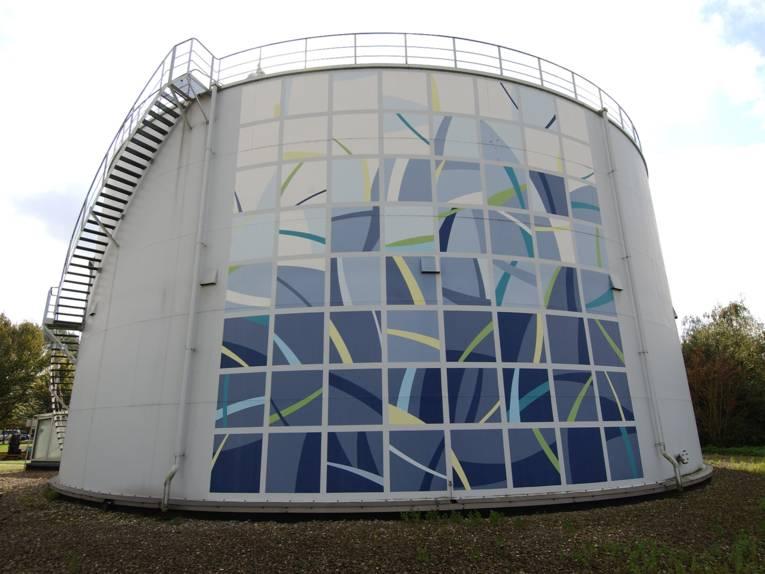 Künstlerisch gestalteter Gasbehälter im KW Herrenhausen