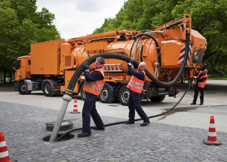 Einsatz eines Kanalwagens am Herrenhäuser Garten