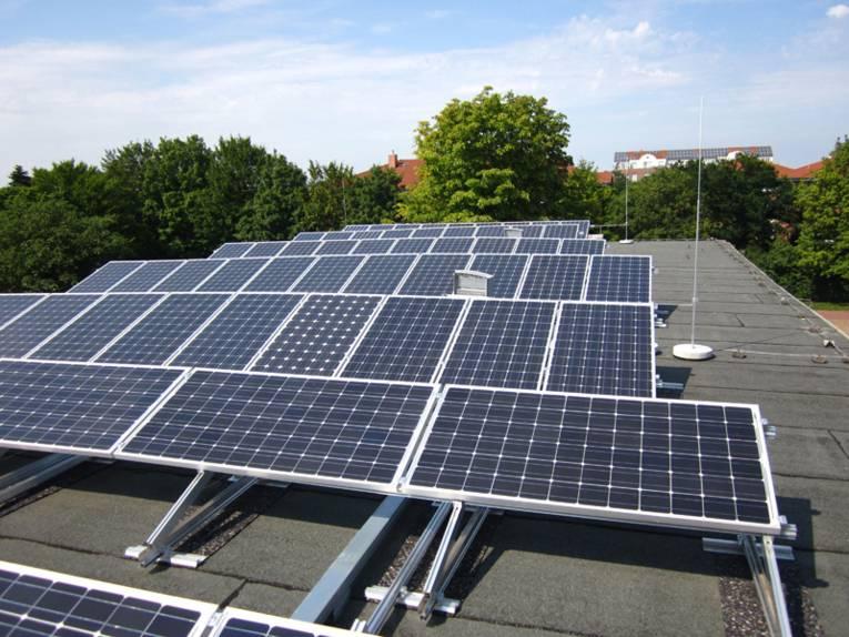 Photovoltaik-Anlage auf einem Dach