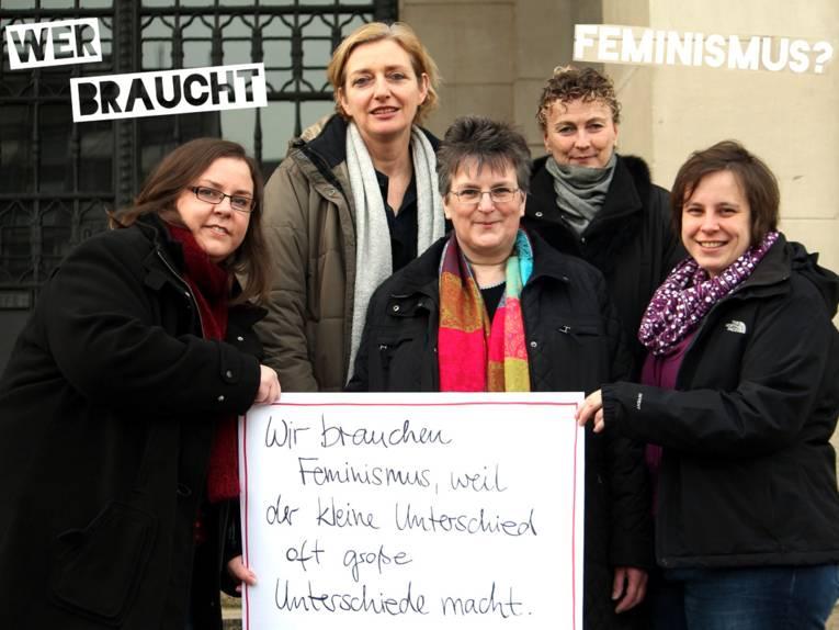 Das Referat für Frauen und Gleichstellung: v.l.n.r. Christina Orthen, Doris Rothenbacher, Gundula Müller, Christine Kannenberg und Gleichstellungsbeauftragte Friederike Kämpfe
