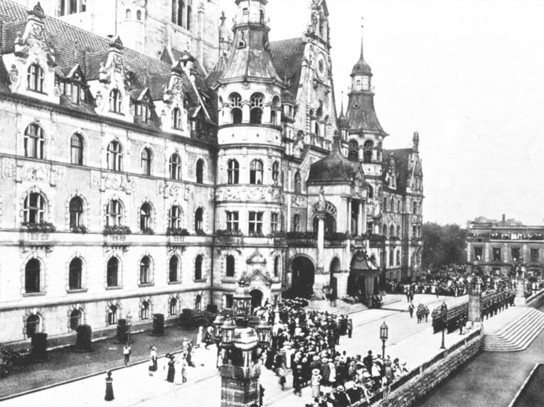 Neues Rathaus um 1913