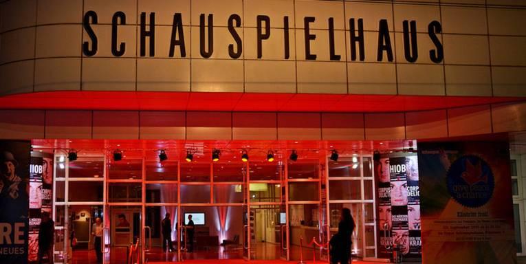 Gebäude mit dem Schriftzug Schauspielhaus