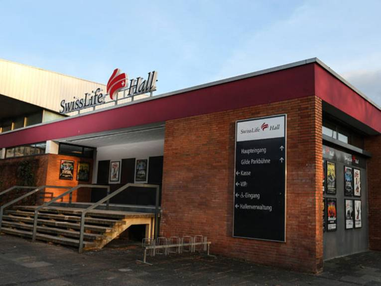 """Außenansicht Multifunktionssporthalle """"Swiss Life Hall"""""""