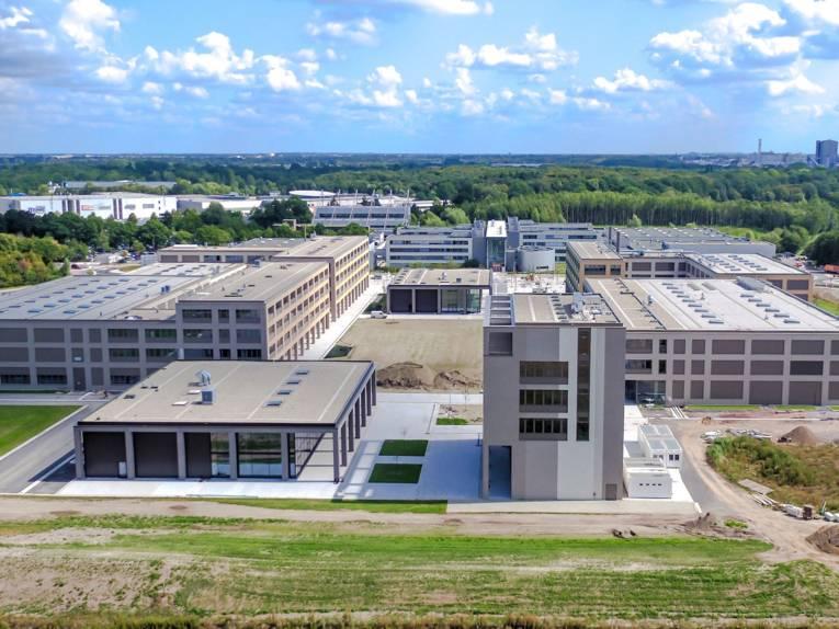 Luftaufnahme eines Gebäudekomplexes