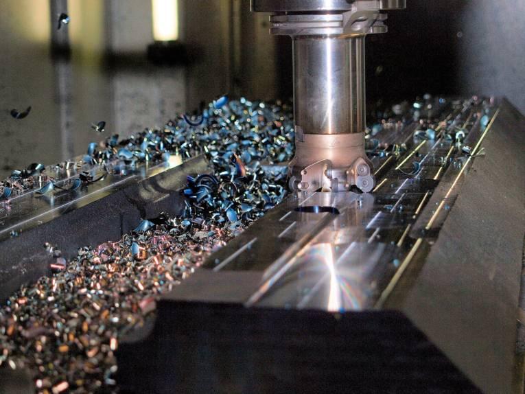 Metallverarbeitende Maschine