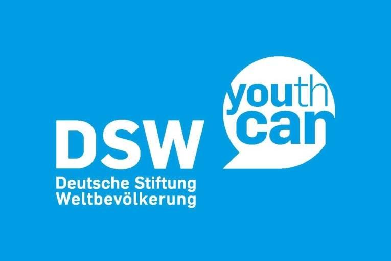 Logo mit der Schrift DSW Deutsche Stiftung Weltbevölkerung Youth Can