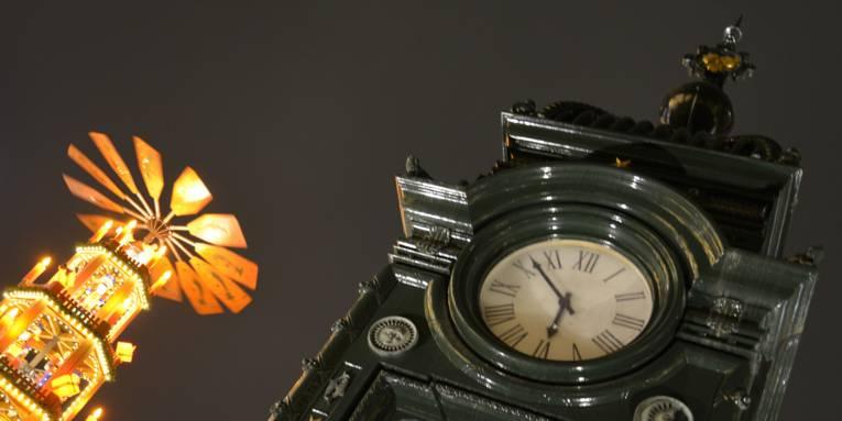 Eine Uhr.