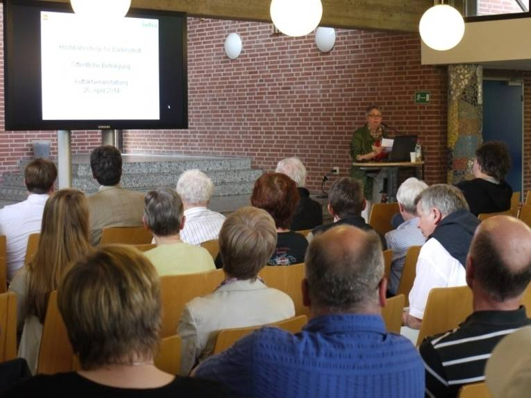 Ansprache der Bezirksbürgermeisterin Schlienkamp.