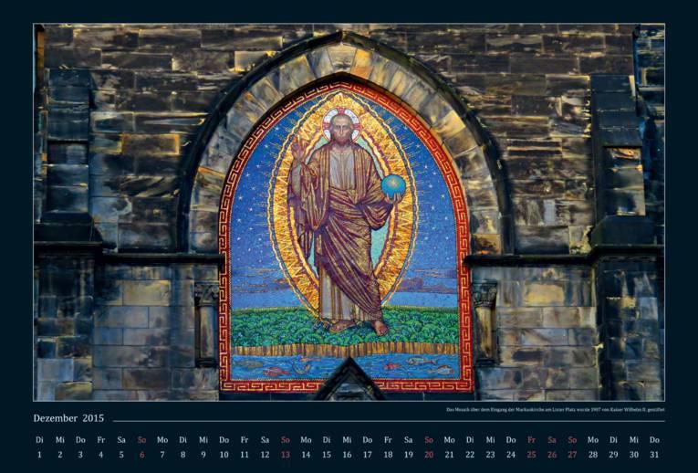 Mosaik über einer Kirche.