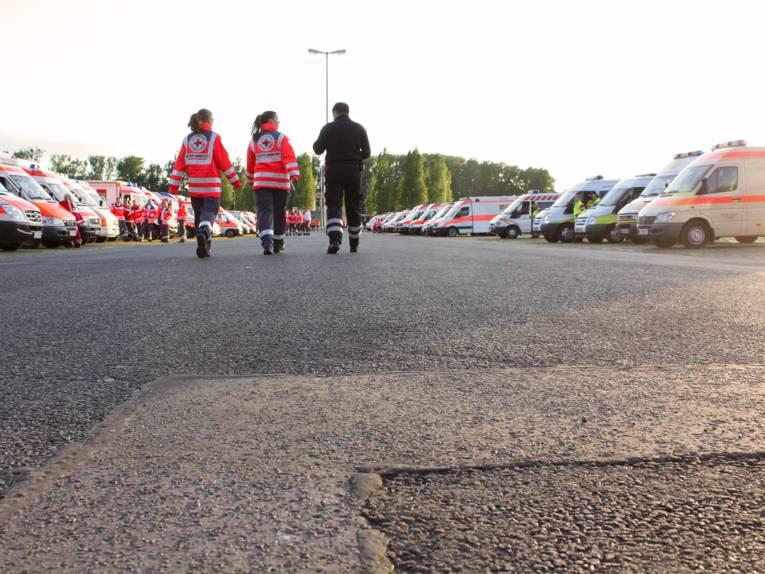 Helferinnen und Helfer auf dem Schützenplatz