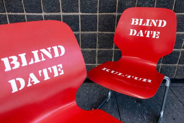 Blind Date Kultur Stühle