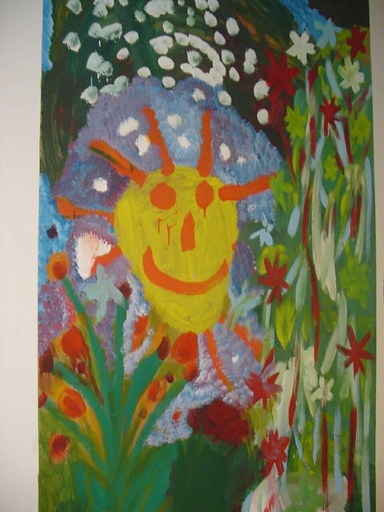 Kindergemälde mit lachender Sonne und Blumen