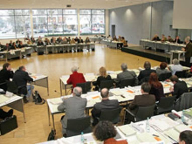 Die Regionsversammlung tagt im Haus der Region, Hildesheimer Straße 18, im Sitzungssaal N001