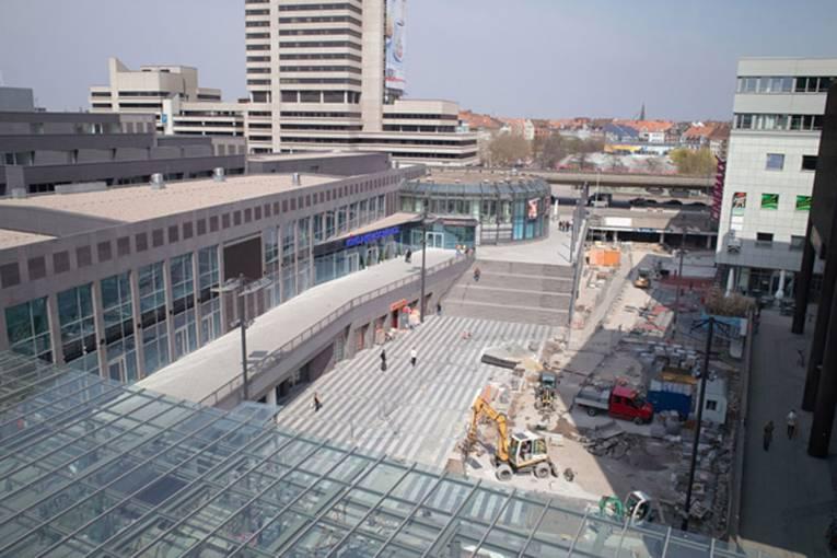 Raschplatz-Baustelle aus der Vogelperspektive im April 2010