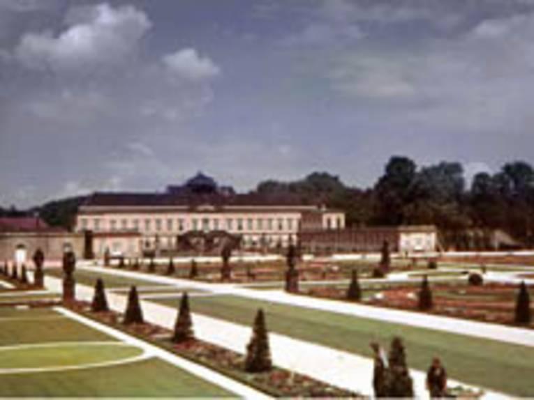 Foto: Großer Garten Herrenhausen mit Schloss.  KB-Dia-Archiv im HMH