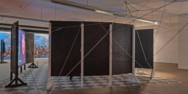 Blick in eine Ausstellung.