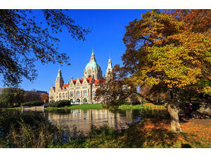 Maschpark with New Town Hall in autumn